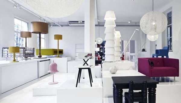 мебель в современной белой гостиной