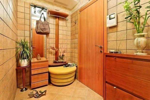 Прихожая в квартире керамическая плитка