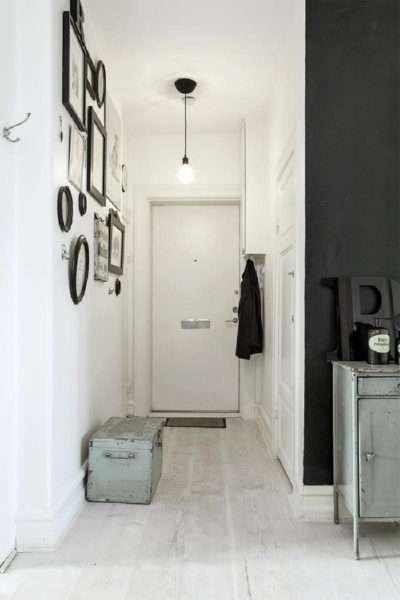 белый коридор в скандиновском стиле