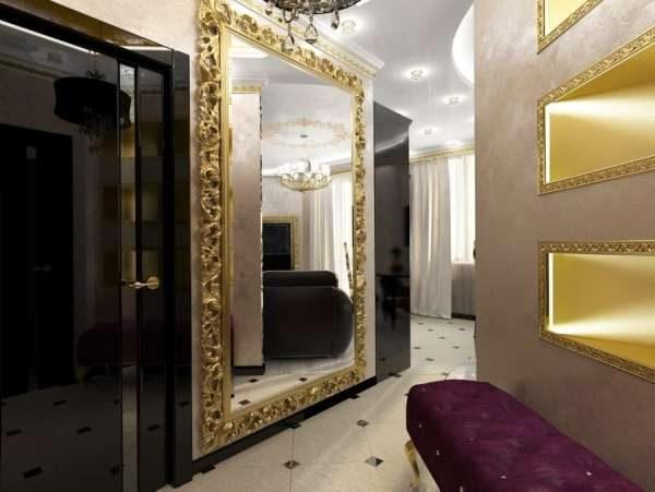 резное зеркало в прихожей в стиле барокко