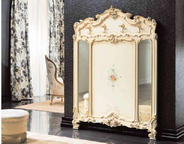 зеркало в прихожей в стиле барокко