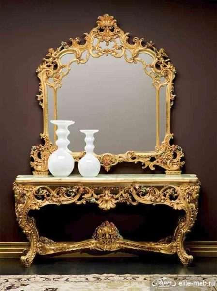 большое зеркало в прихожей в стиле барокко