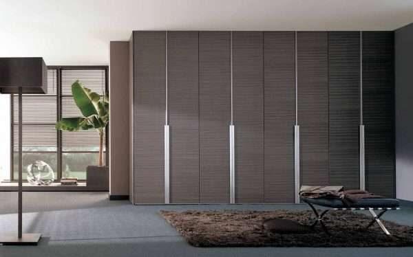 шкаф с глухими дверями для гостиной в современном стиле