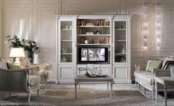 небольшой шкаф белого цвета в гостиной в современном стиле