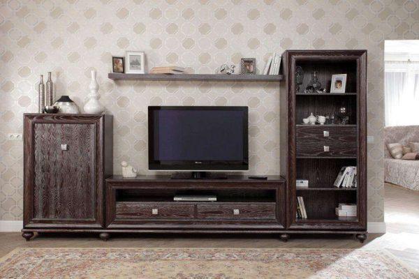деревянная стенка под телевизор в гостиной