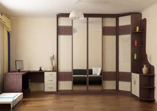 угловая стенка со столом для гостиной