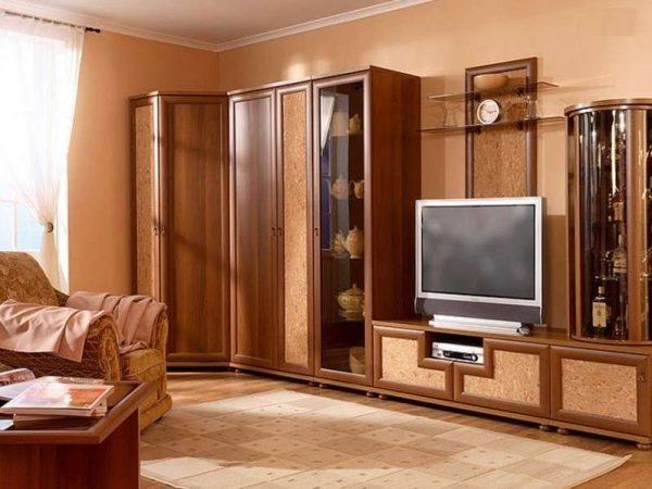 угловая стенка в гостиную с угловым шкафом