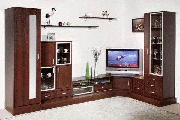 лёгкая угловая стенка коричневого цвета для гостиной