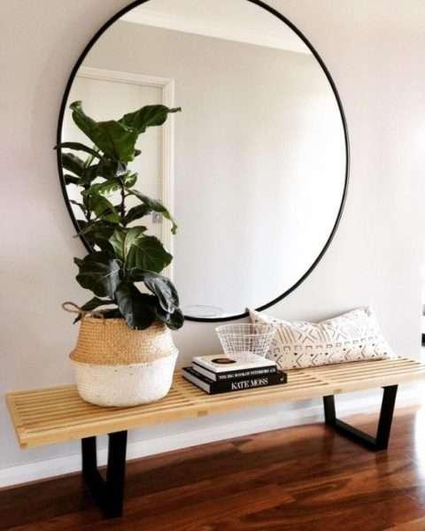 зеркало в коридоре панельного дома