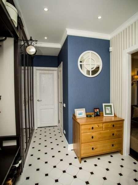 комод в классическом стиле в коридоре