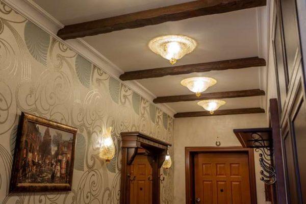 светильники в коридоре в классическом стиле