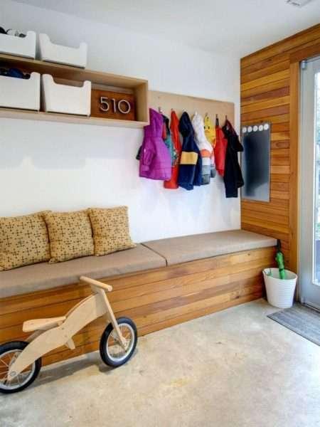 скамья для хранения вещей в прихожей хрущёвки