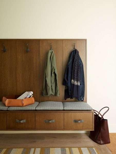 вешалка открытая с ящиками для хранения в прихожей хрущёвки