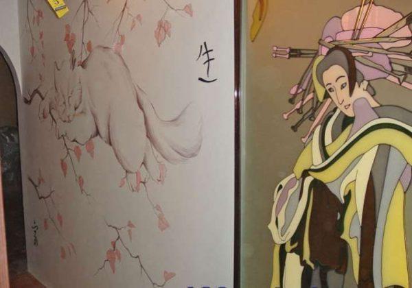 рисунок на стенах в прихожей в японском стиле