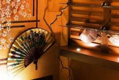 декорирование стены в прихожей в японском стиле