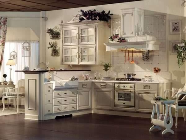 угловая бежевая кухня прованс