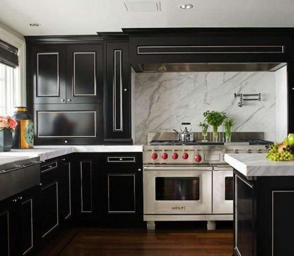чёрная дизайнерска кухня