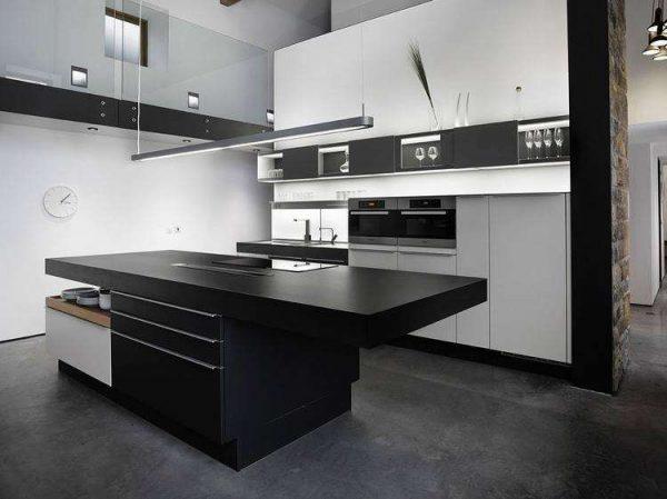 стильное оформление чёрно-белой кухни