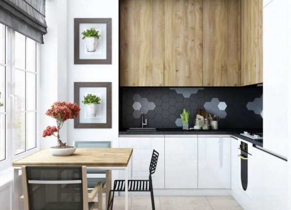 деревянные фасады чёрно-белой кухни