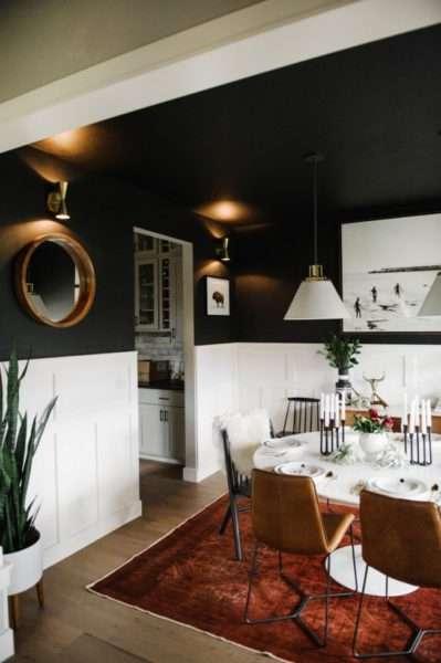 чёрно-белые стены кухни