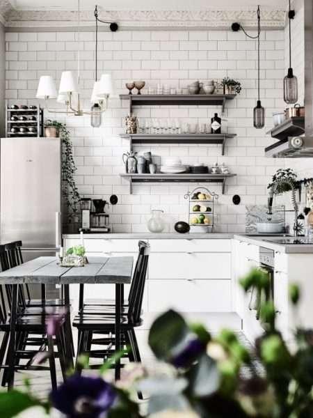 керамическая плитка на чёрно-белой кухне
