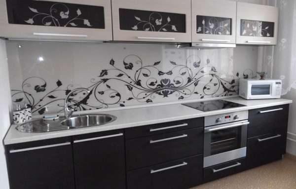 фартук под общий стиль и дизайн кухни
