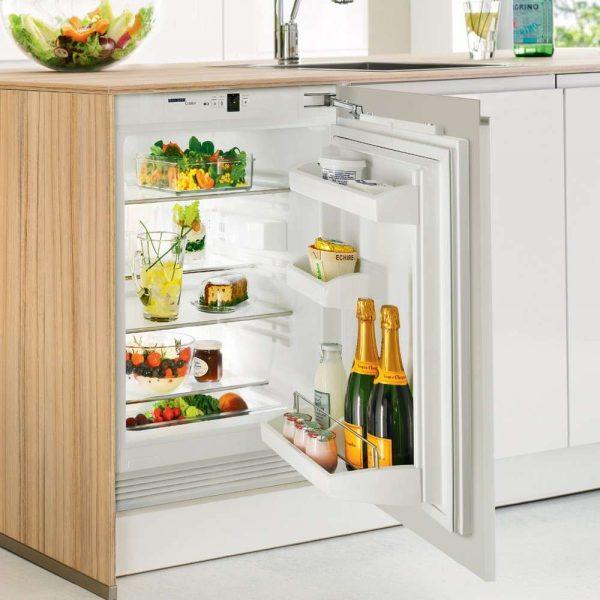 встроенный холодильник под столом