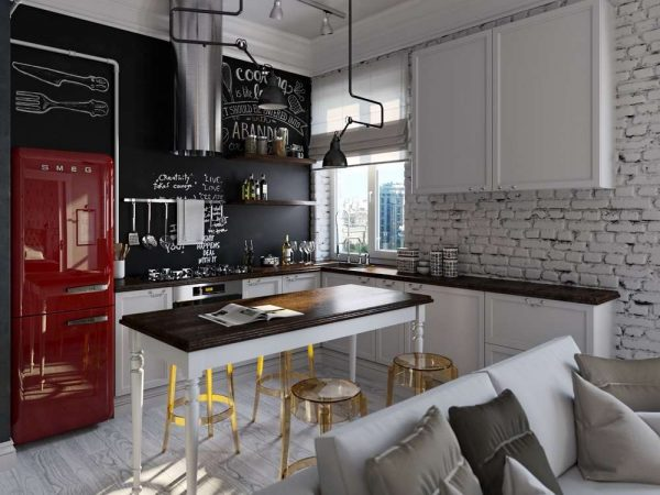 красный холодильник смег на маленькой кухне