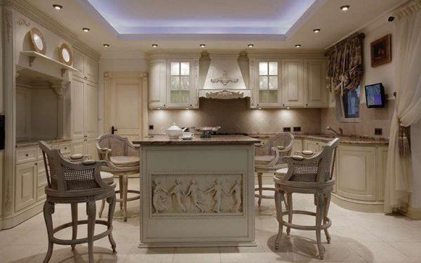 освещение потолка кухни в итальянском стиле