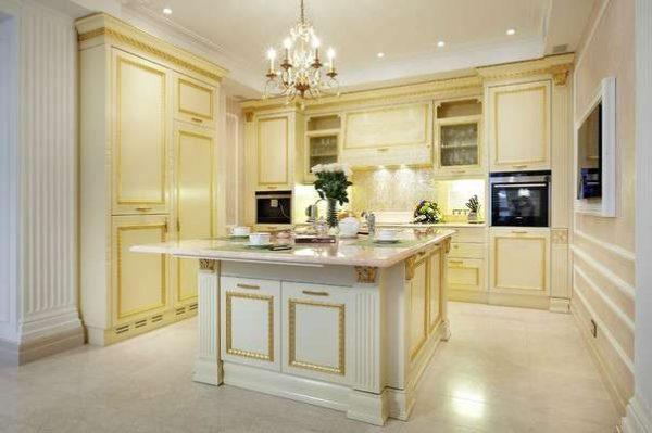 натяжной потолок на кухне в итальянском стиле