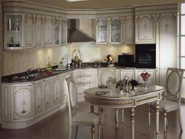 стильный интерьер угловой кухни в итальянском стиле