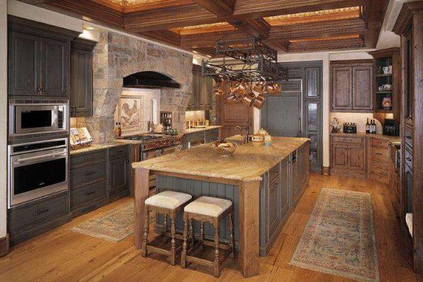 мраморная столешница на кухне в итальянском стиле