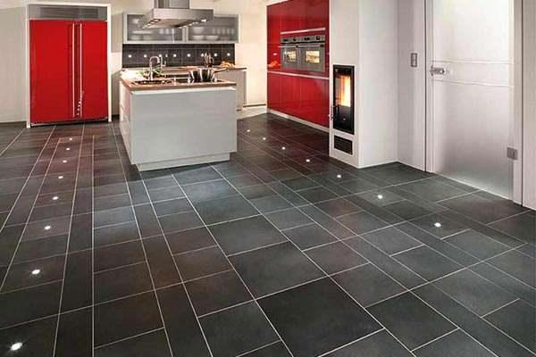кафель на полу кухни