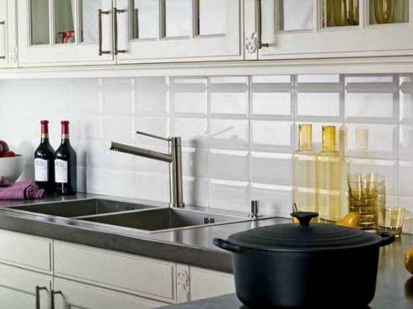 белый кафель для кухни