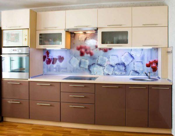 линейная кухня цвета кофе с молоком с глянцевыми фасадами