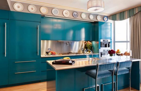 кухонный гарнитур бирюзового цвета в стиле хай тек