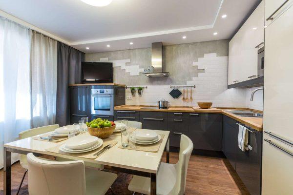 угловой кухонный гарнитур с обеденным столом