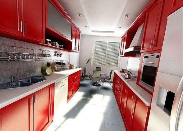 красный двухрядный кухонный гарнитур
