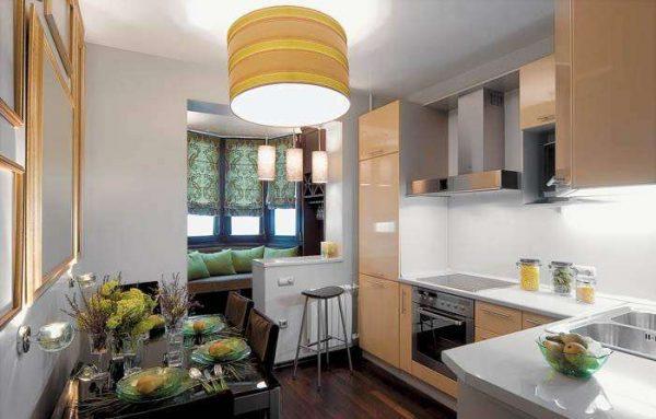 мягкий кухонный уголок на балконе или лоджии