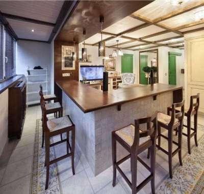 кухня с барной стойкой на балконе или лоджии