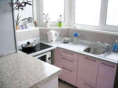 рабочие поверхности кухни на балконе или лоджии