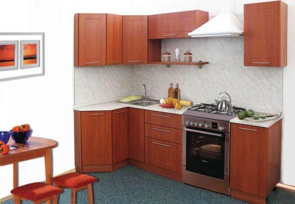 простая угловая кухня с фасадами мдф