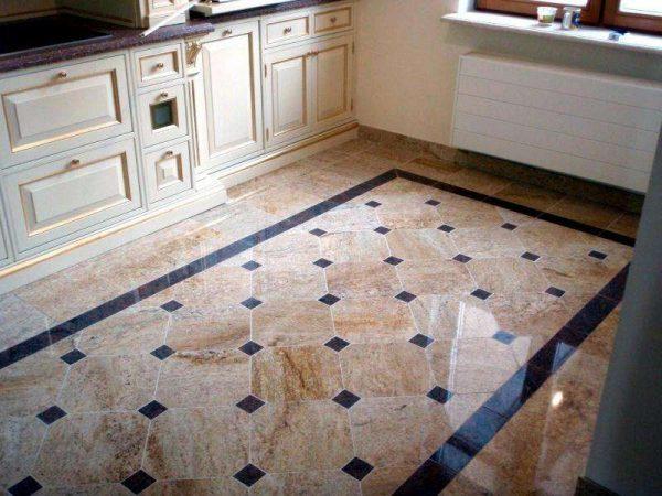 мраморная плитка на полу кухни