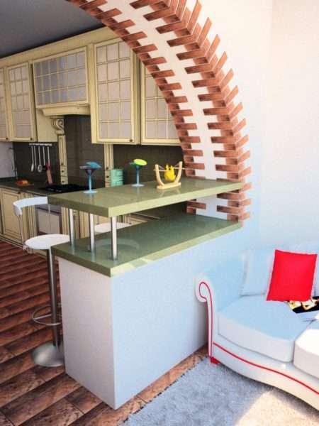 фигурная арка на балконе, совмещённом с кухней