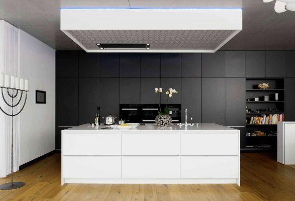 дизайн серой кухни с белым островом