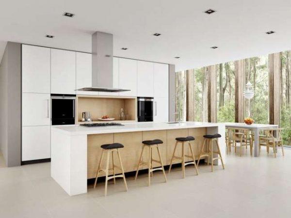 дизайн белой кухни с островом