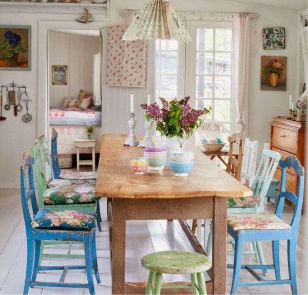 обеденная зона на кухне в английском стиле