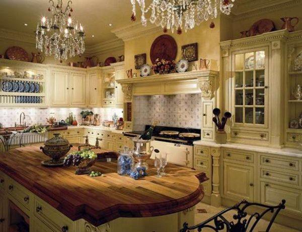 хрусталь на кухне в английском стиле