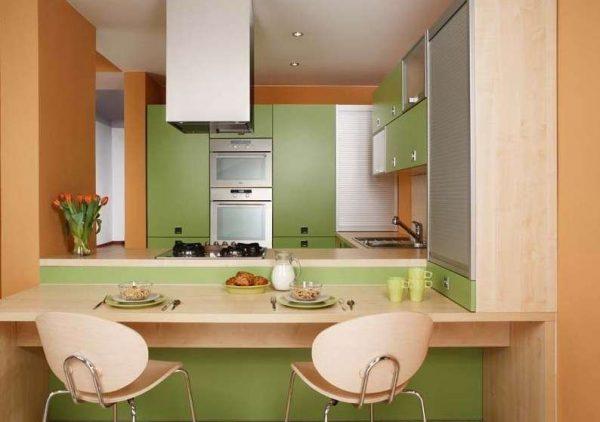 оливковый с оранжевым цветом на кухне