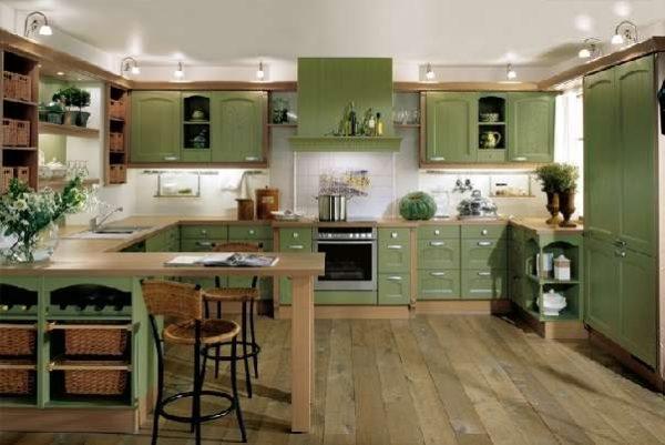 деревянные полы на кухне оливкового цвета